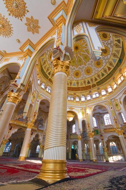Shafeiha mosque, interior of Sunni mosque in Kermanshah